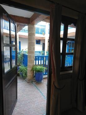 Blick von Zimmer in den Innenhof